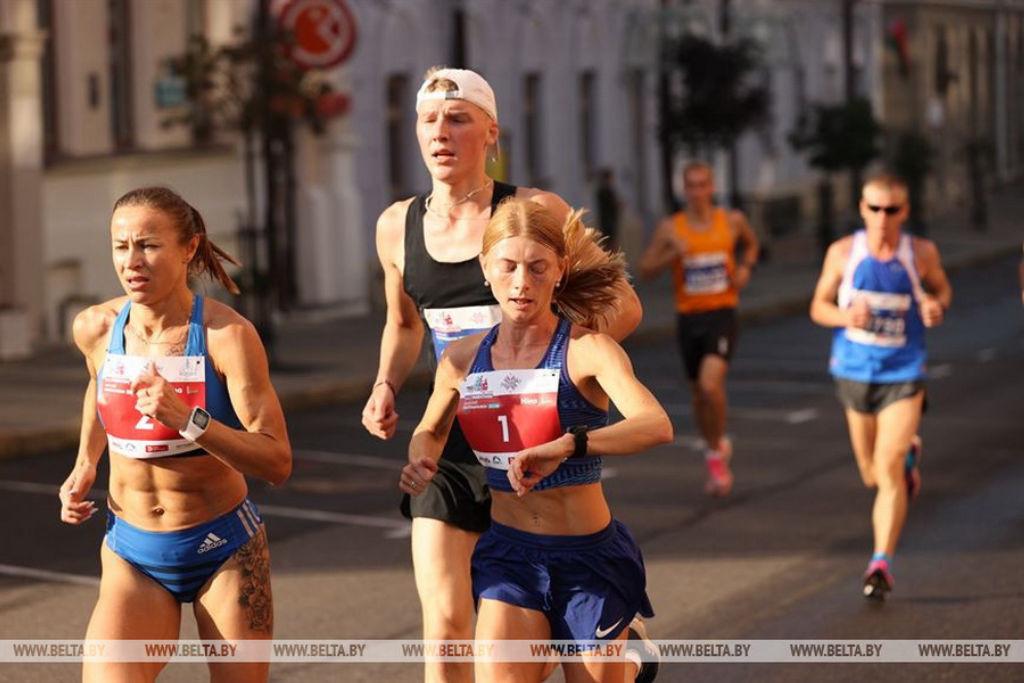 Прапорщик милиции Нина Савина из Бобруйска стала победителем Минского полумарафона на дистанции 21,1 км
