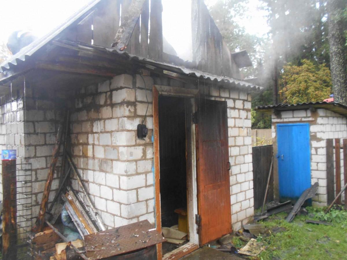 В поселке Глуша горела баня.