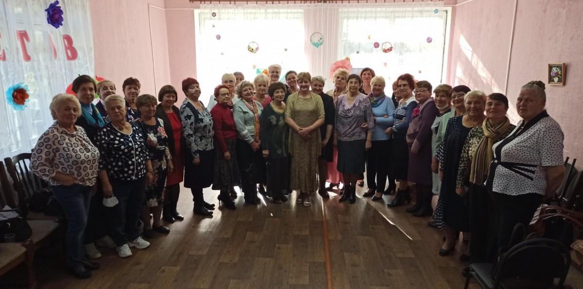 В ТЦСОН Первомайского района прошел «Бал цветов»