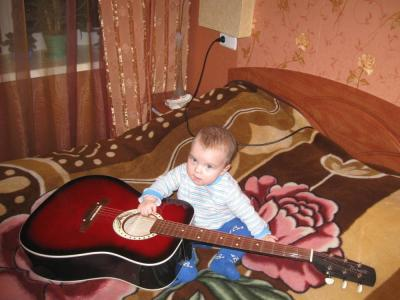 №168 Юный гитарист